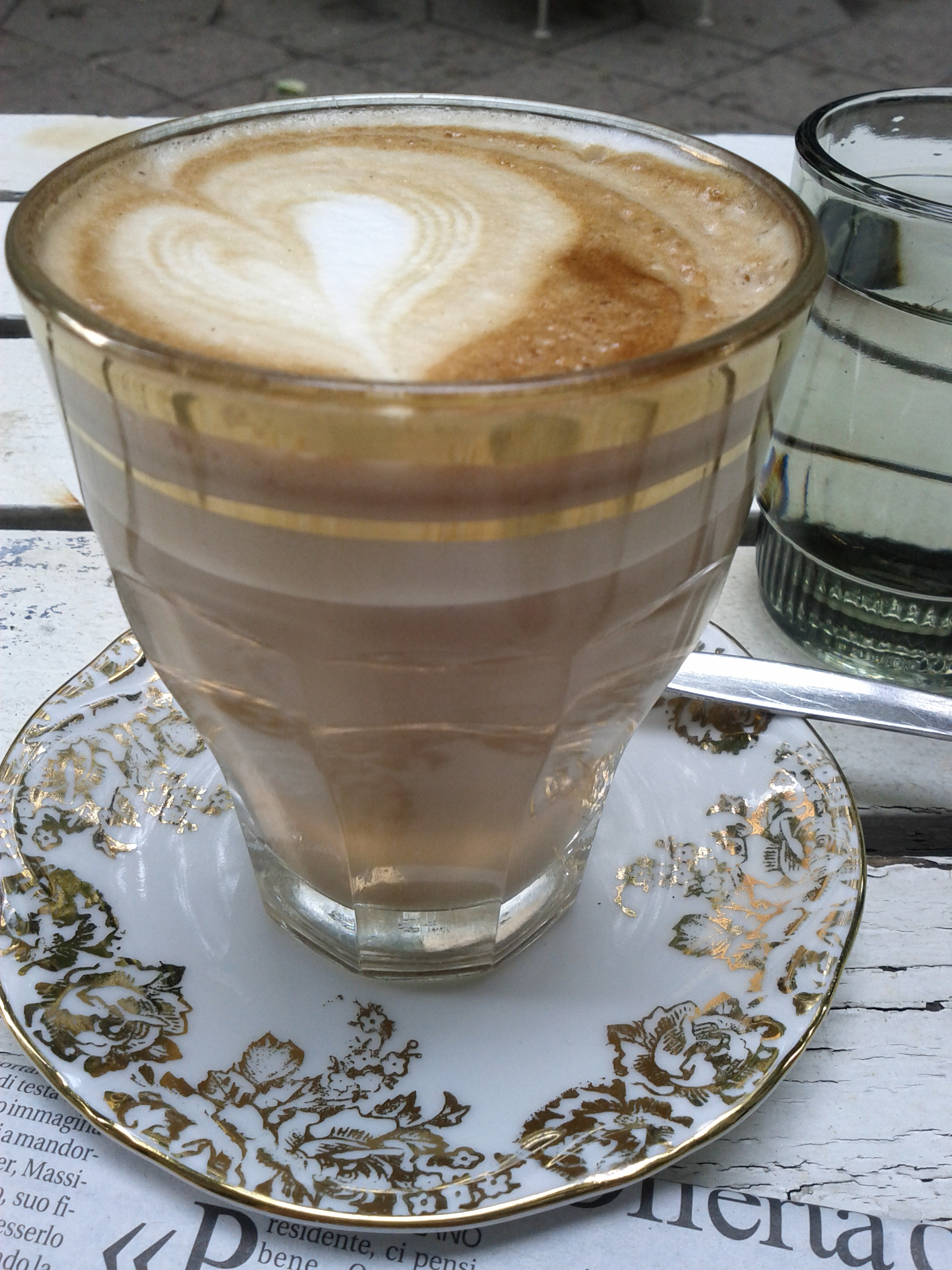 Cappuccino im Café Velntin